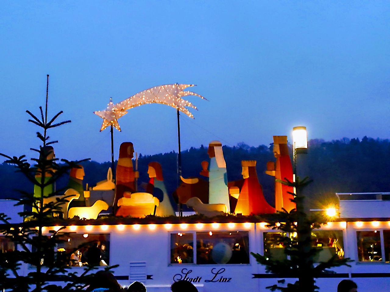 Schwimmender Weihnachtsmarkt.Tagesfahrt Nach Vilshofen Zum Schwimmenden Weihnachtsmarkt