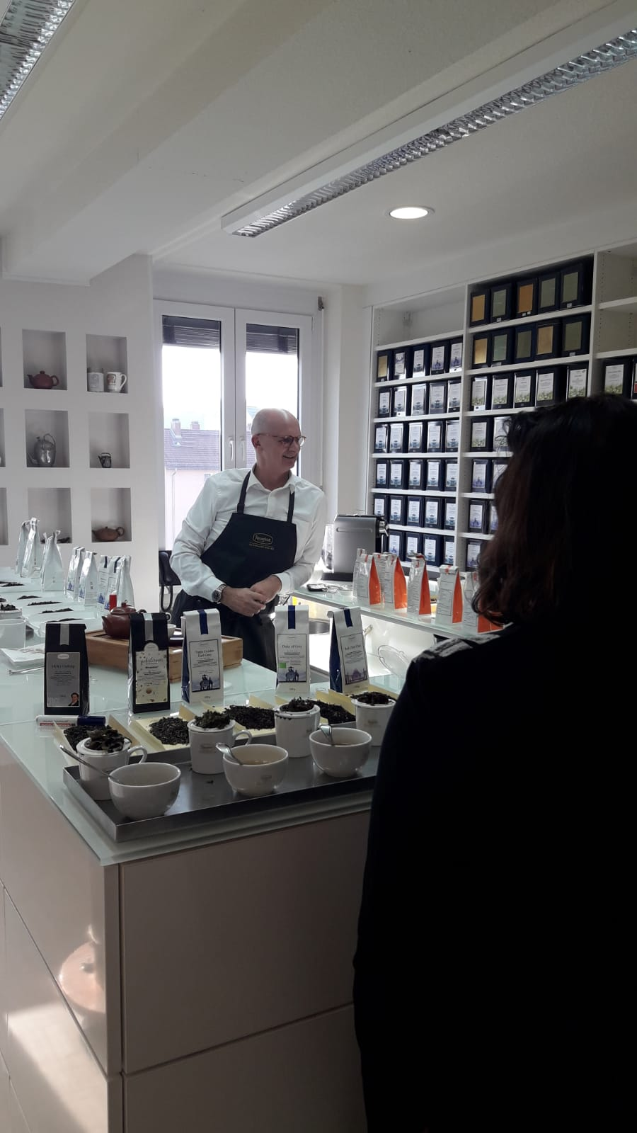 "Teestübla  ""Der Teeladen"" Tees ·  Bonbons ·  Präsente"